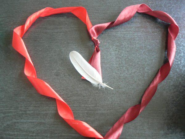 Wstążkowe serce i pióro